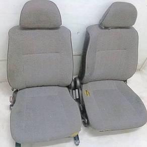Seat depan wira