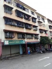Pangsauri Timur Jalan Mawar, Taman Bukit Serdang