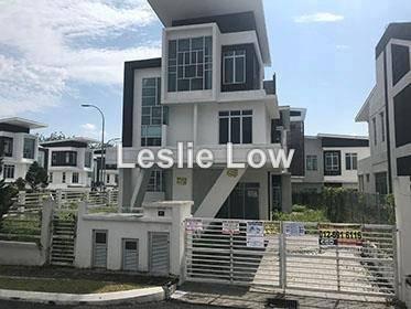 No.27, Jalan Laman Puteri 1, Taman Laman Puteri, Sikamat, Seremban