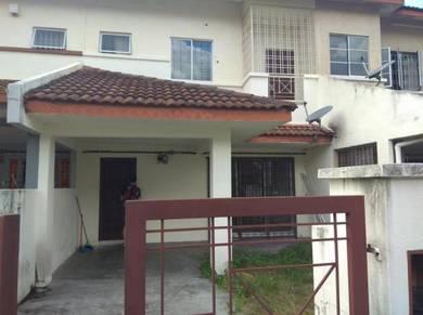 Mahkota cheras 2 story 4room 3 bath basic house