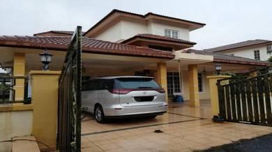 Renovated bungalow in sec 6 bdr bukit mahkota mature area
