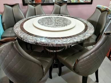 Meja makan 6 kerusi