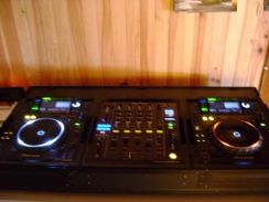 Regie Pioneer cdj-2000 and djm-900 nexus