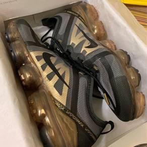 Nike Vapormax Metallic Gold