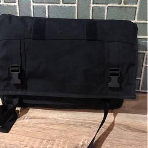 Mission Workshop Monty 21L Messenger Bag