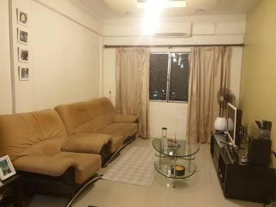 Room in Utama Court For Rent