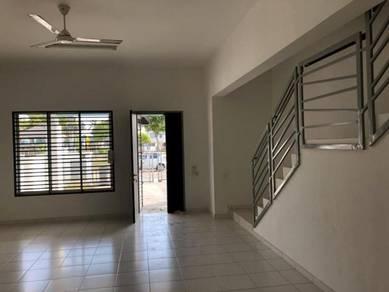 Terrace House / Setia Tropika / 4Bed 3Bed / Low Rental & Deposit
