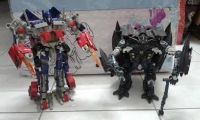 Takara Tomy Transformers Optimus Prime and Jetfire