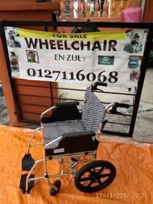 Wheelchair travel ringan dan mudah diangkat