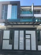 Spacious Renovated Triple Storey Terrace Bandar Botanic Klang For Sale