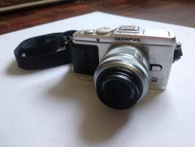 [USED] Olympus EP3 + 14-42mm Kit Lens