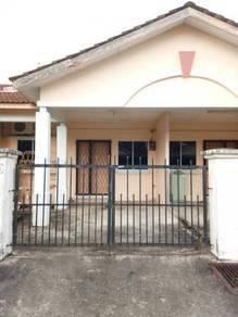 Single storey terrace intermediate house at senadin for rent