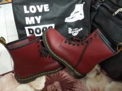 Dr Marten's 8 Eye Boot ( New)