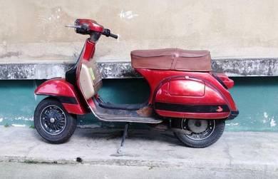 1995 or older Vespa PX 150
