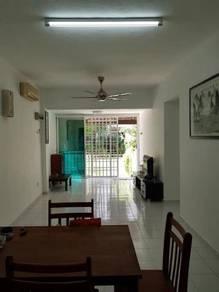 Villa Condo, Relau - Ground floor - facing garden - nice unit