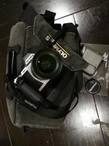 Olympus OMD EM-5 with 12-50 lens