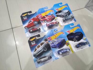 Hotwheels Honda Odyssey dan BMW Lot