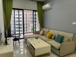 Town area seaside grand condo Amberside for rent 2R2B