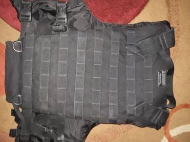 Life jacket and bodyhamer