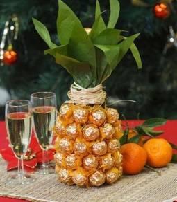 Valentine Gift-Ferrero Rocher Pineapple(Champagne)