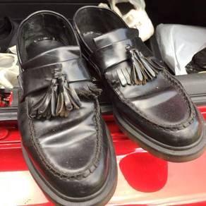 Dr.martens adrian tassle loafer(saiz 8)