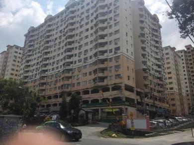 Apartment saujana ria-cheaper, lowel level, with lift & balcony