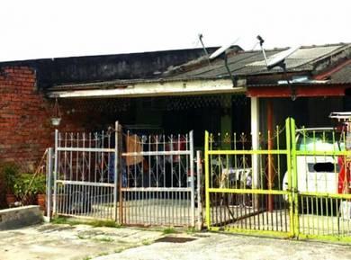 Desa Pelancungan one storey house Pengkalan