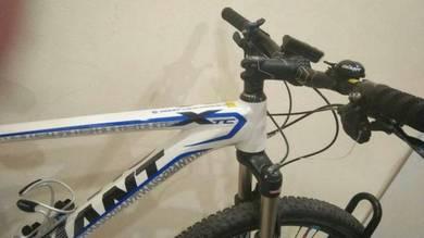 Giant Mountain Bike XTC 27.5 SE:7 (Size M)