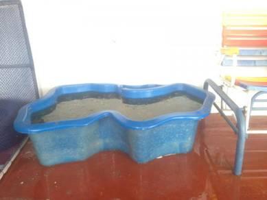 Kolam fiber ikan hiasan deko air terjun