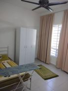 Single room, toilet attached (presint 17)