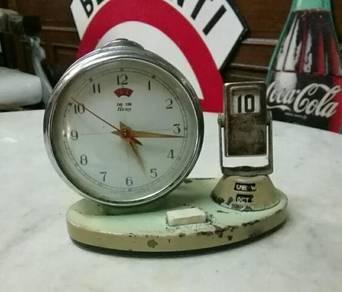 Antik retro with date table clock lama
