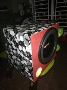 Speaker 12 inci bass on