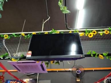Last Call 6 Flat Screen TV , 15 ball Snocker Table
