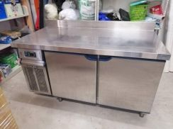 Counter Chiller 5' C/W BackSplash Berjaya #N76-C