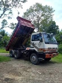 Lorry Nissan Diesel RD8