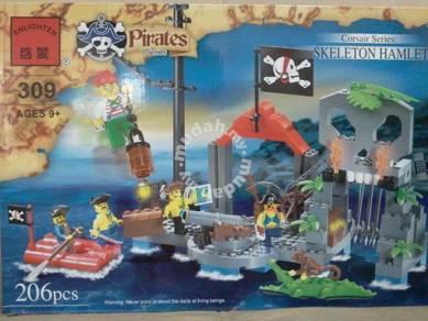Bricks - EN 309 Pirate Skeleton Hamlet Island