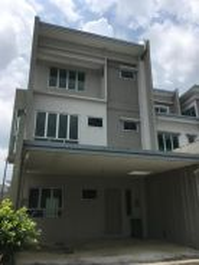 3 storey corner Academia Lane at Kota Samarahan