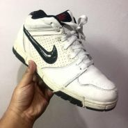 Nike air sneakers (uk8.5)