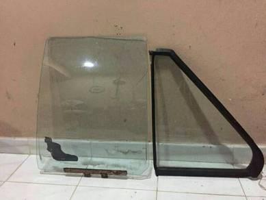 Cermin Proton Iswara