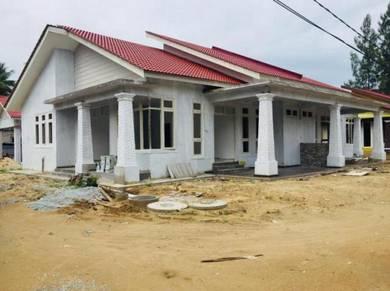 Rumah semi d hampir siap di pcb