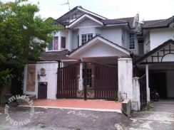 Fully Furnished 5 Bedrooms House in Seksyen 7