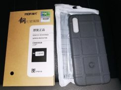 Phone & Screen Protector Samsung A50.