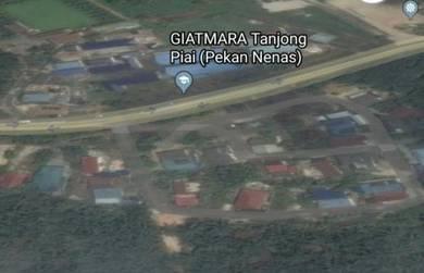 Tanah Lot Banglo Pekan Nenas