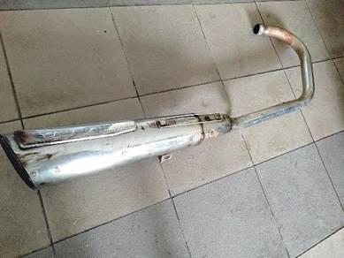 Modenas jaguh original exhaust and side civer
