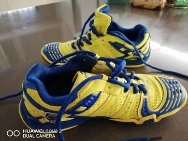 Li Ning badminton shoes 235mm /5.5uk
