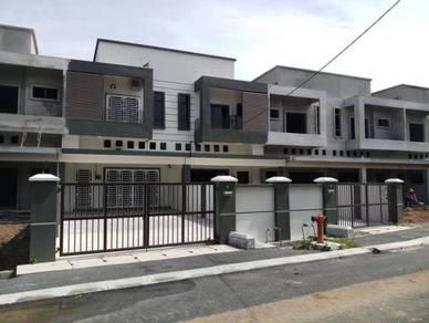 Kuala Kangsar-Double Storey Terrac(FREE AIRCOND 4BILIK+LAMPU&KIPAS)