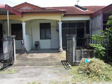 Teres 1 tingkat dgn 3 bilik tidur & 2 bilik air di Tmn Lembah Bujang