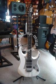 Ibanez Gio GRG150P Electric Guitar white