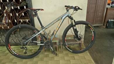 Felt mtb bicycle mountain basikal 29