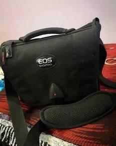 Camera canon DSLR EOS 1100D